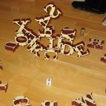 Konexi: The gravity-defying word game